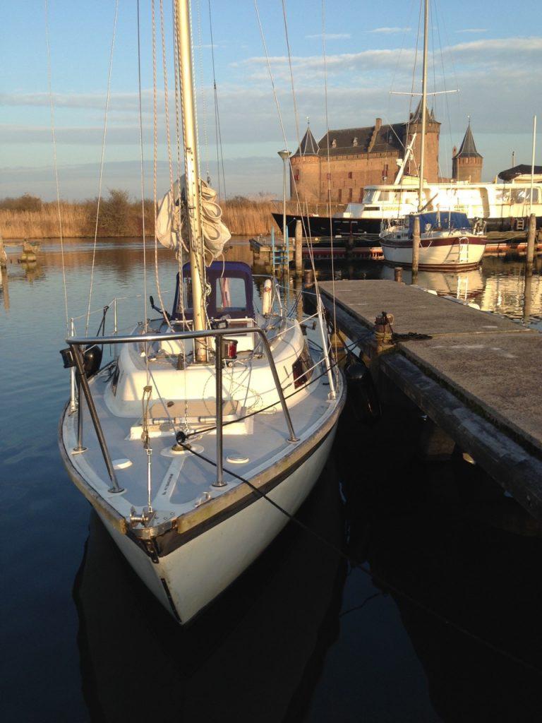 Zeilmakerij Muiderberg - Zeilboot Guppy met haar nieuwe kap